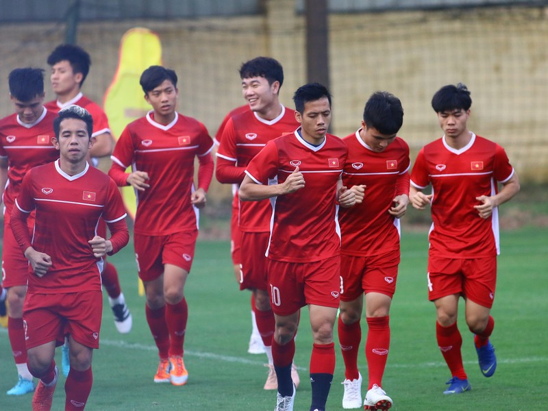 Vị khách đặc biệt trong buổi tập của đội tuyển Việt Nam - ảnh 18