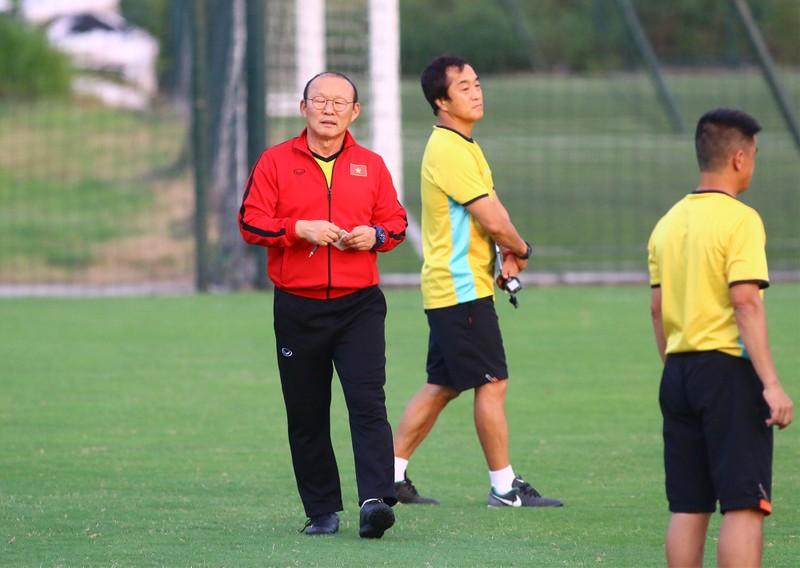 Vị khách đặc biệt trong buổi tập của đội tuyển Việt Nam - ảnh 12