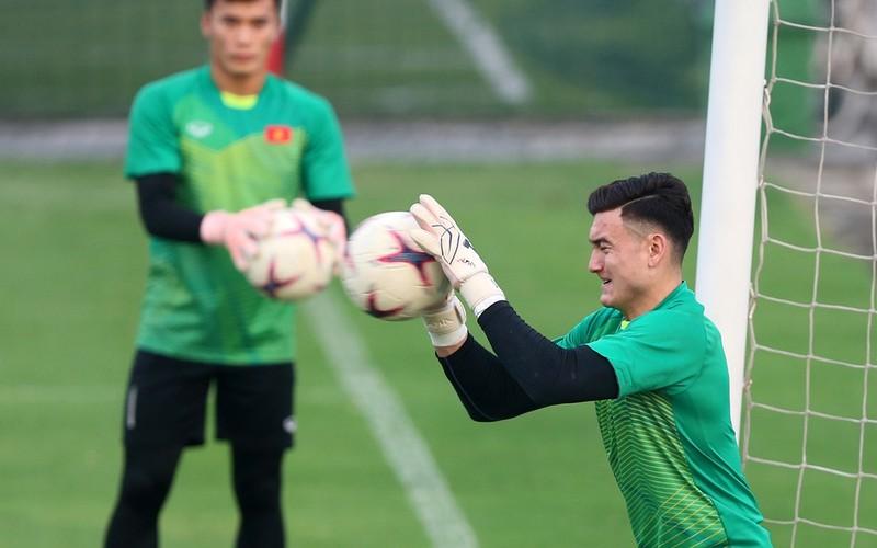 Vị khách đặc biệt trong buổi tập của đội tuyển Việt Nam - ảnh 16
