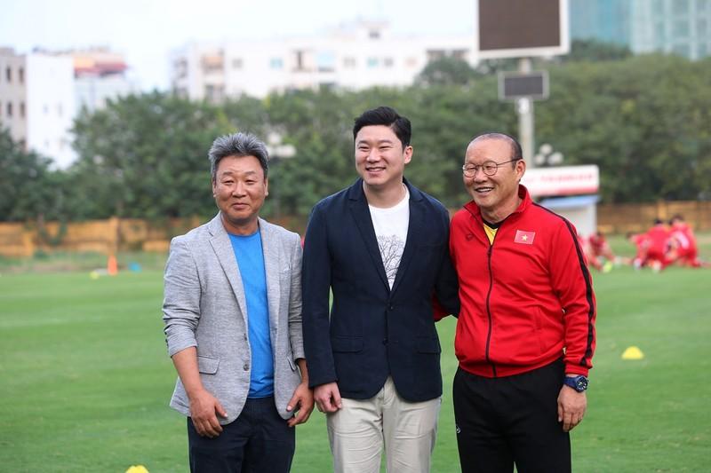 Vị khách đặc biệt trong buổi tập của đội tuyển Việt Nam - ảnh 3