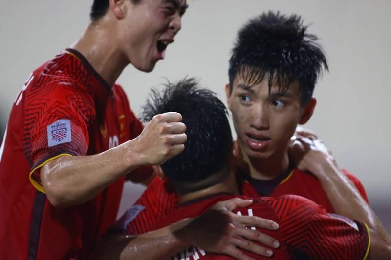 Philippines kiên cường, Việt Nam vất vả vào chung kết AFF Cup - ảnh 2