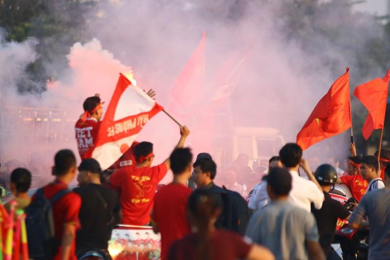 Philippines kiên cường, Việt Nam vất vả vào chung kết AFF Cup - ảnh 27