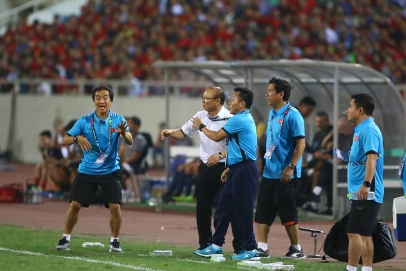 Philippines kiên cường, Việt Nam vất vả vào chung kết AFF Cup - ảnh 7