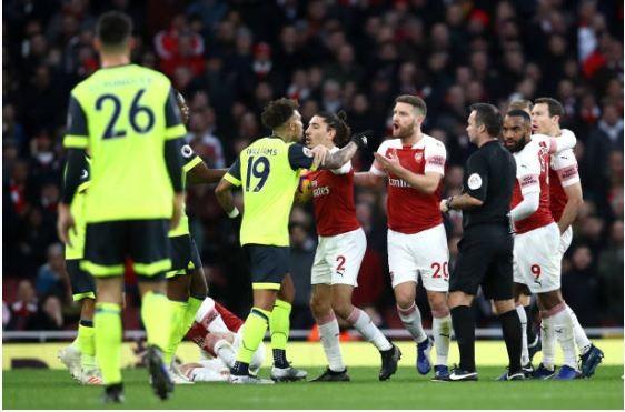 Man. United bùng nổ trên sân nhà, Arsenal thắng chật vật - ảnh 5