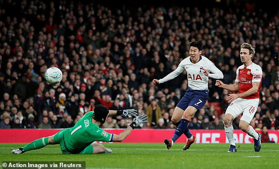 Đánh bại Arsenal, Tottenham gặp Chelsea tại bán kết - ảnh 1