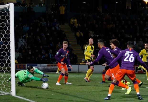 Ghi 10 bàn vào lưới đối thủ, Man City vào chung kết League Cup - ảnh 1