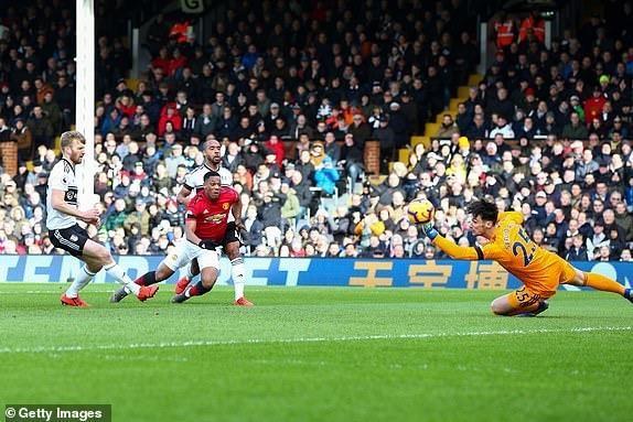 MU và Solskjaer thăng hoa, 'bay' vào Top 4 Premier League - ảnh 3