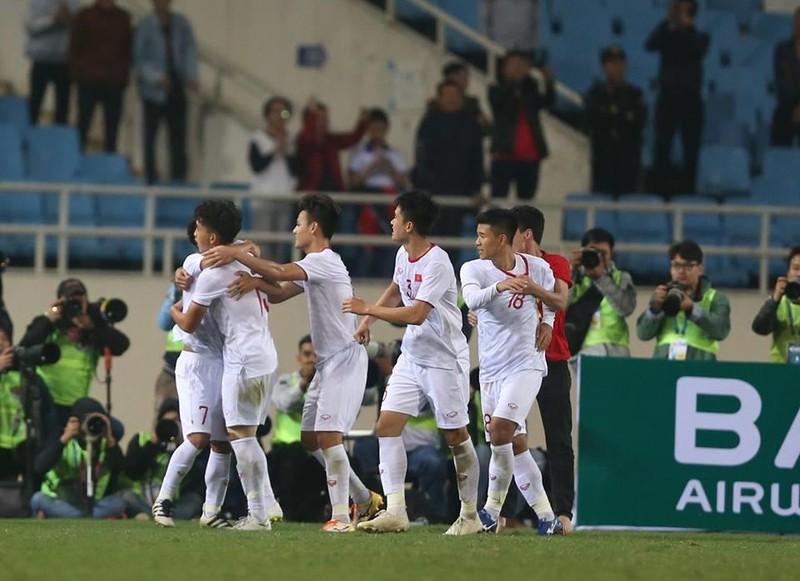 Người hùng Việt Hưng giúp U23 VN hạ U23 Indonesia phút bù giờ - ảnh 2
