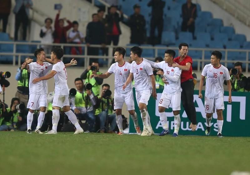 Người hùng Việt Hưng giúp U23 VN hạ U23 Indonesia phút bù giờ - ảnh 1