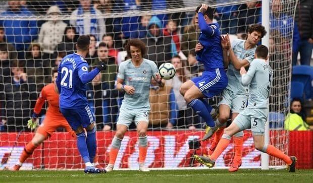 Trọng tài tiếp tay giúp Chelsea ngược dòng thắng Cardiff - ảnh 3