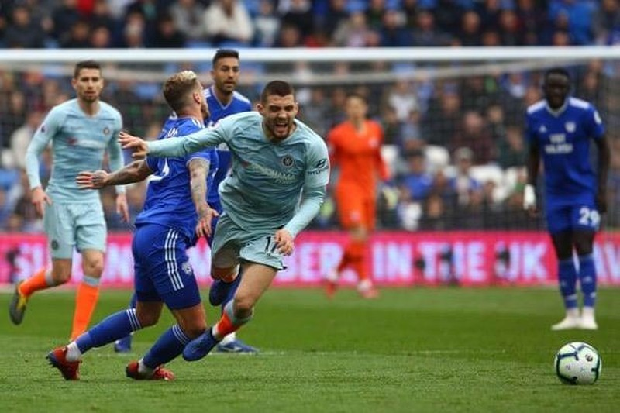 Trọng tài tiếp tay giúp Chelsea ngược dòng thắng Cardiff - ảnh 2