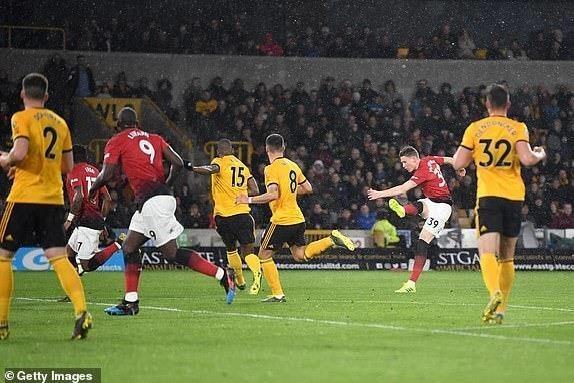 Smalling 'đốt đền', MU thua sốc trước Wolverhampton - ảnh 2
