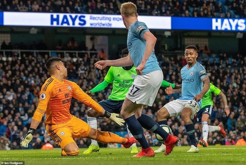 Hạ Cardiff City, Man. City đòi lại ngôi đầu Premier League - ảnh 1