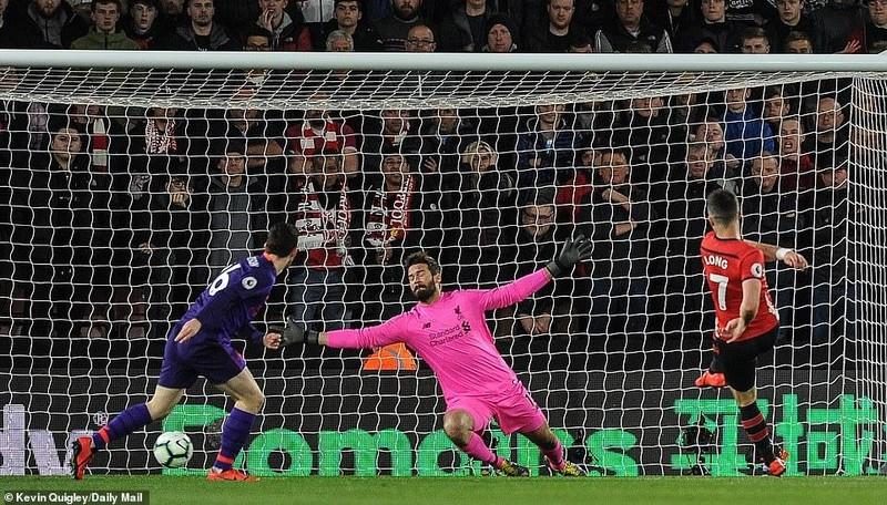 Salah tỏa sáng, Liverpool lội ngược dòng hạ Southampton - ảnh 1