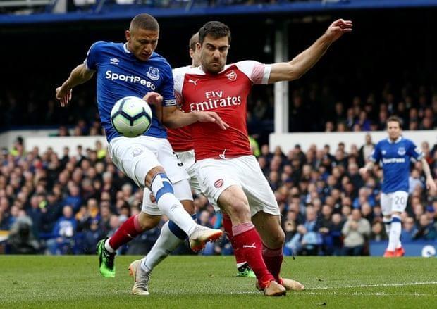 Arsenal thua đau, 'đua' Top 4 Premier League hấp dẫn khó lường - ảnh 3