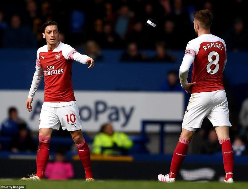 Arsenal thua đau, 'đua' Top 4 Premier League hấp dẫn khó lường - ảnh 4