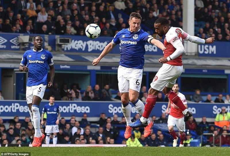 Arsenal thua đau, 'đua' Top 4 Premier League hấp dẫn khó lường - ảnh 5