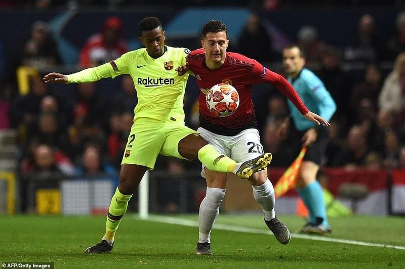 Hậu vệ 'đốt đền', MU gục ngã trước Barcelona ở Old Trafford - ảnh 1