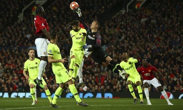 Hậu vệ 'đốt đền', MU gục ngã trước Barcelona ở Old Trafford - ảnh 4