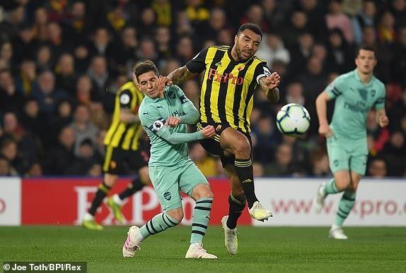 Thắng nhọc Watford, Arsenal chen chân vào Top 4 Premier League - ảnh 2