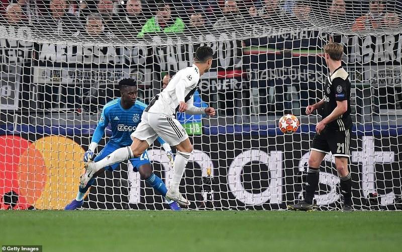 Ronaldo 'nổ súng', Juventus vẫn thua ngược cay đắng trước Ajax - ảnh 1