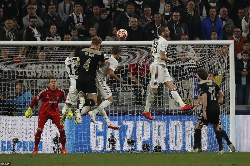 Ronaldo 'nổ súng', Juventus vẫn thua ngược cay đắng trước Ajax - ảnh 3