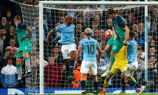 HLV Pep Guardiola cay cú với bàn thua khiến Man. City bị loại - ảnh 2