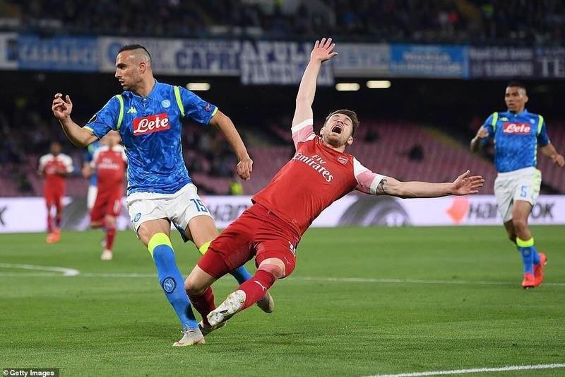 Siêu phẩm của Lacazette giúp Arsenal đả bại Napoli trên đất Ý - ảnh 1