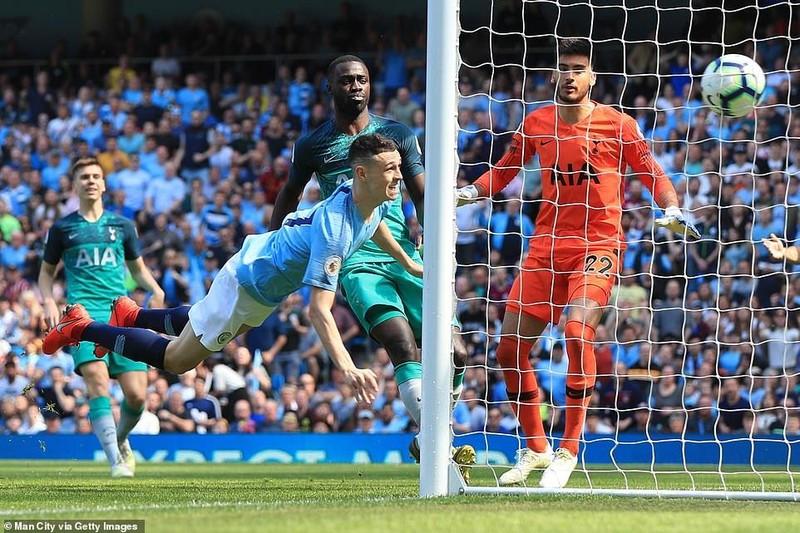 Đánh bại Tottenham, Man. City đòi lại ngôi đầu - ảnh 1