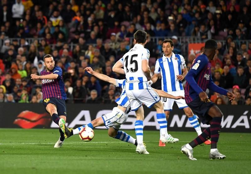 Hậu vệ lên tiếng, Barcelona thắng khó Real Sociedad - ảnh 4