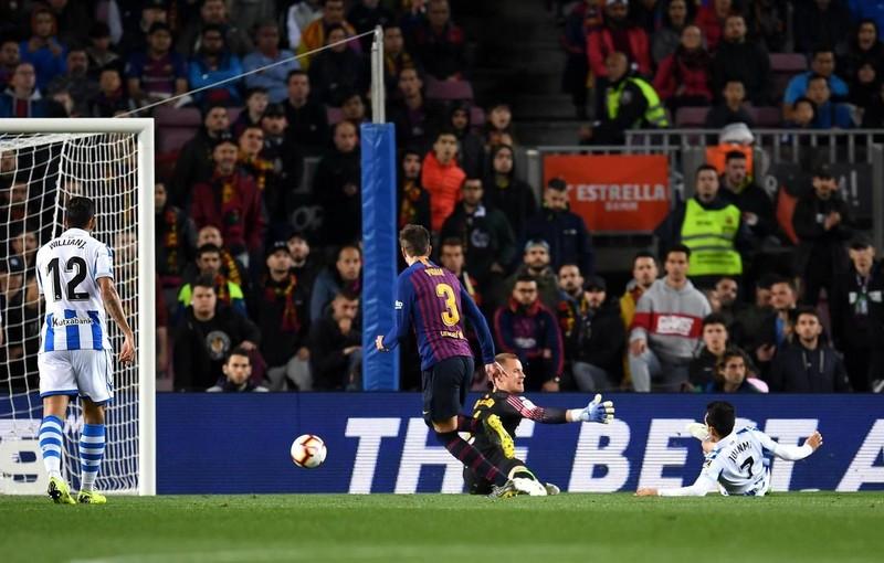 Hậu vệ lên tiếng, Barcelona thắng khó Real Sociedad - ảnh 3