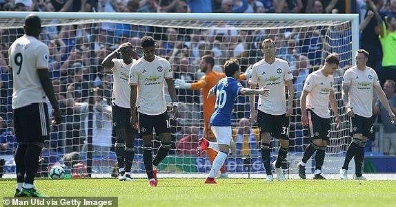 Thua tan nát Everton, MU rời xa Top 4 Premier League - ảnh 1