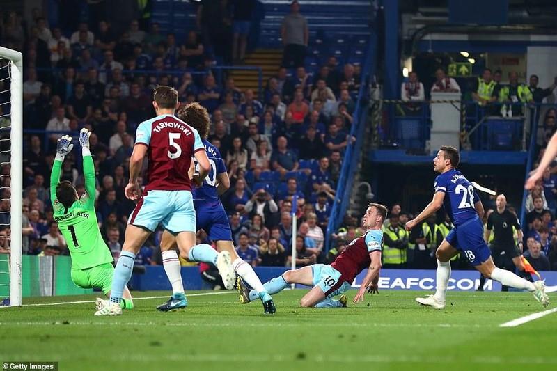 Bị Burnley 'níu chân', Chelsea bỏ lỡ cơ hội vàng - ảnh 4