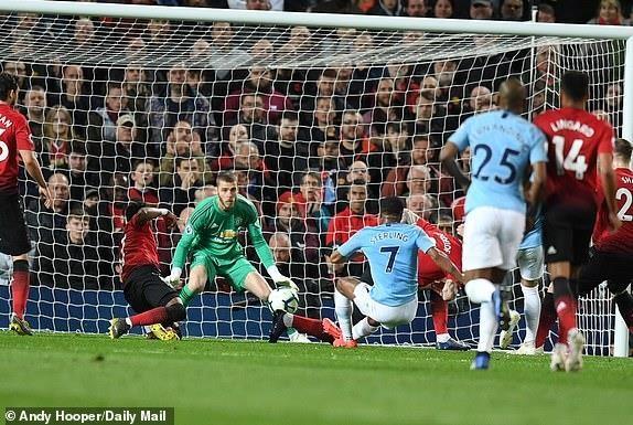 Thắng thuyết phục MU, Man City đòi lại ngôi đầu Premier League - ảnh 2
