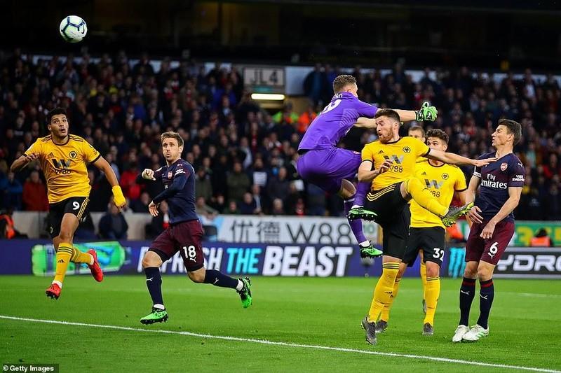 Tiếp tục thua sốc, Arsenal 'hụt hơi' đua Top 4 Premier League - ảnh 2