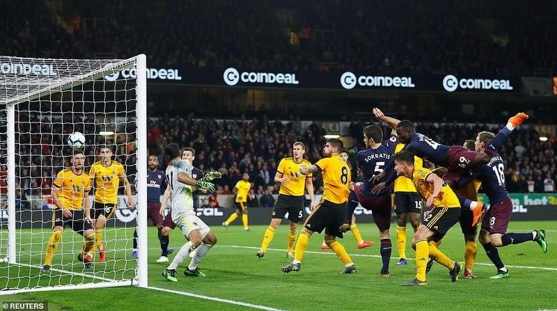 Tiếp tục thua sốc, Arsenal 'hụt hơi' đua Top 4 Premier League - ảnh 4