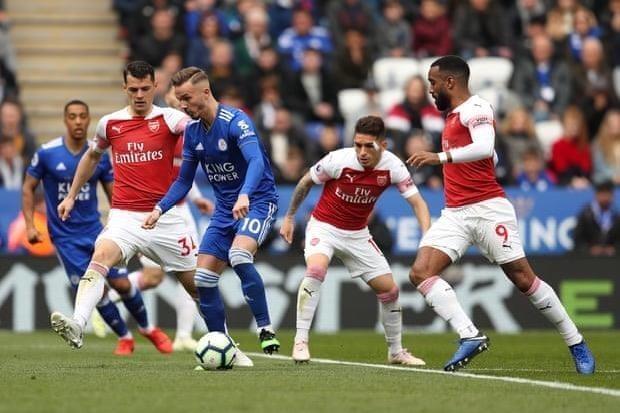 Thua nặng Leicester, Arsenal rời xa Top 4 Premier League - ảnh 1
