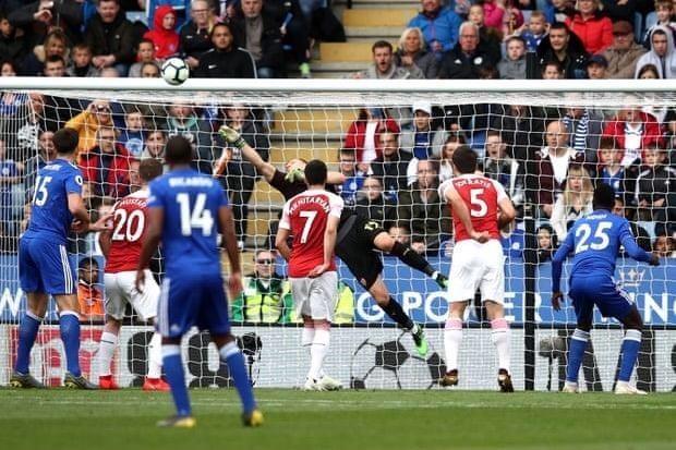 Thua nặng Leicester, Arsenal rời xa Top 4 Premier League - ảnh 3