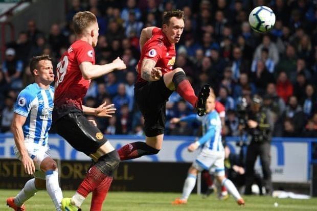 Hòa bạc nhược đội cuối bảng, MU tan mộng Top 4 Premier League - ảnh 3