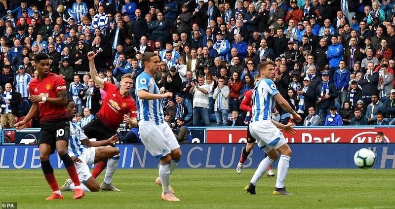 Hòa bạc nhược đội cuối bảng, MU tan mộng Top 4 Premier League - ảnh 1