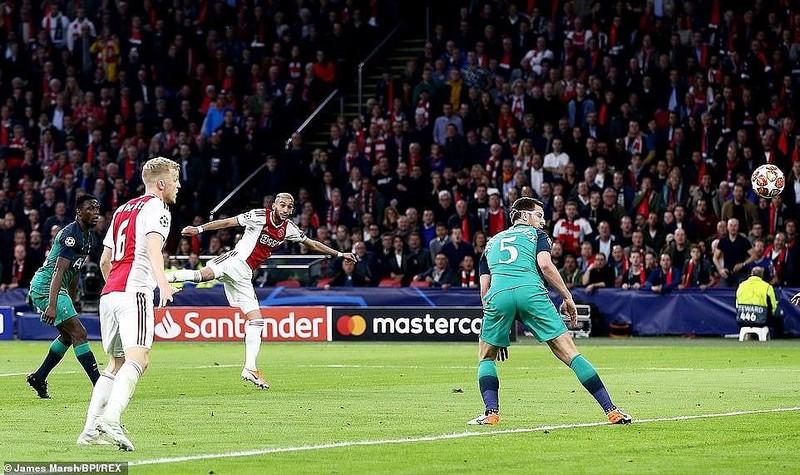 Moura lập hat-trick, Tottenham ngược dòng khó tin loại Ajax - ảnh 2