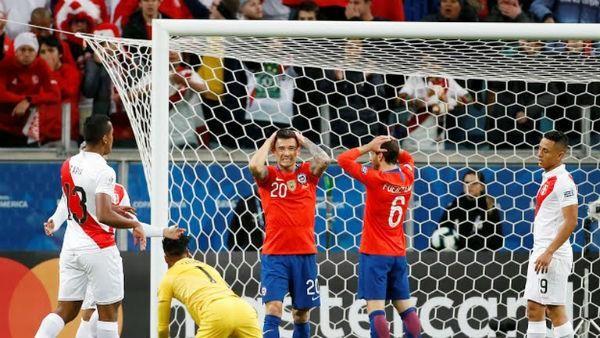 Thắng 'hủy diệt' ĐKVĐ Chile, Peru vào chung kết Copa America - ảnh 1