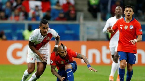 Thắng 'hủy diệt' ĐKVĐ Chile, Peru vào chung kết Copa America - ảnh 2