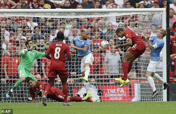 Salah vô duyên, Liverpool nhìn Man City vô địch siêu cúp Anh - ảnh 9
