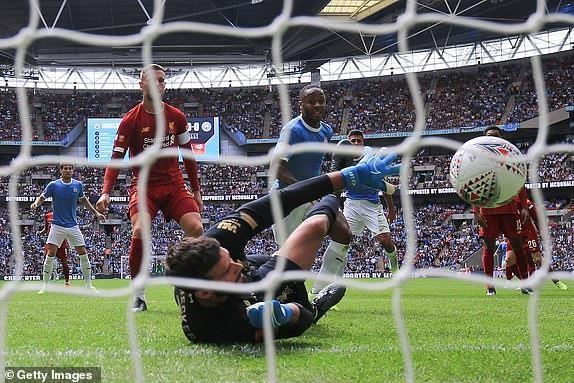 Salah vô duyên, Liverpool nhìn Man City vô địch siêu cúp Anh - ảnh 3