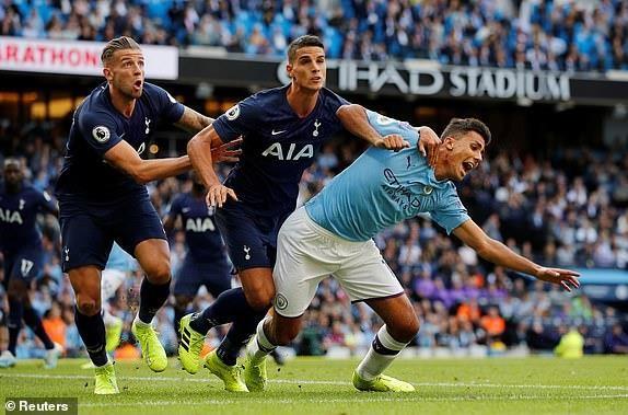 Phung phí cơ hội, Man City bị Tottenham cầm hòa siêu kịch tính - ảnh 4