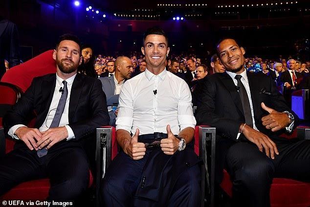 Van Dijk, Messi được vinh danh, Ronaldo trắng tay - ảnh 1