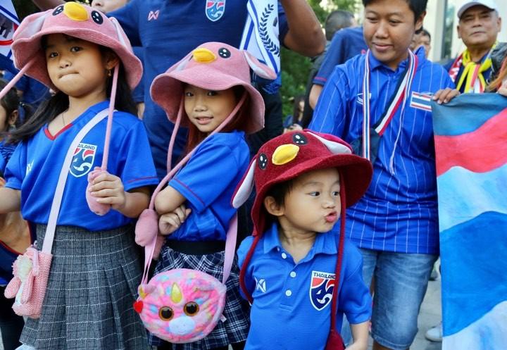 Văn Lâm xuất thần,Việt Nam hòa Thái Lan kịch tính và tranh cãi - ảnh 36
