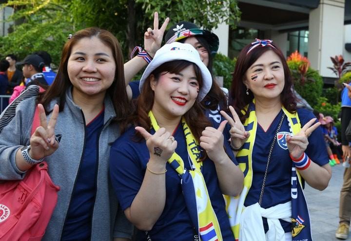 Văn Lâm xuất thần,Việt Nam hòa Thái Lan kịch tính và tranh cãi - ảnh 38