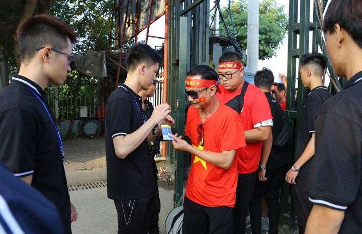 Văn Lâm xuất thần,Việt Nam hòa Thái Lan kịch tính và tranh cãi - ảnh 40